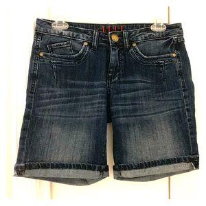 Crop/Bermuda jean shorts